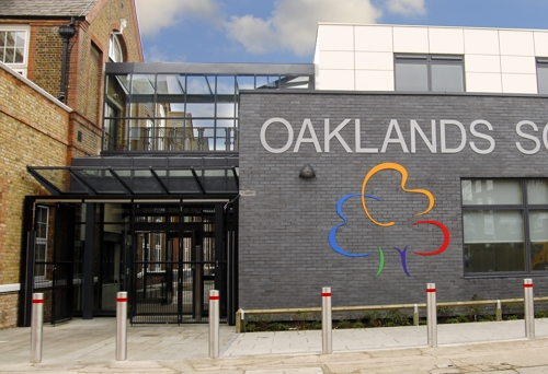 Oaklands  Secondary School - Bespoke Glass and Polycarbonate Canopy