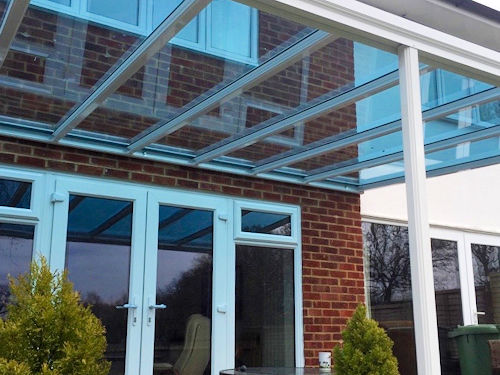 The Simplicity 6 carport and veranda with Tinted Glass