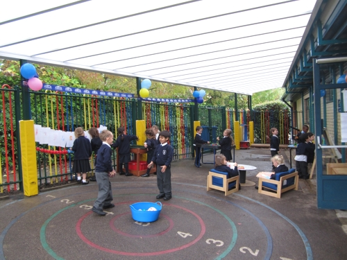 Ladbroke JMI School in Hertfordshire's new outdoor play area and canopy
