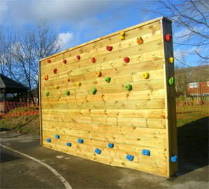 how to build climbing wall outdoor