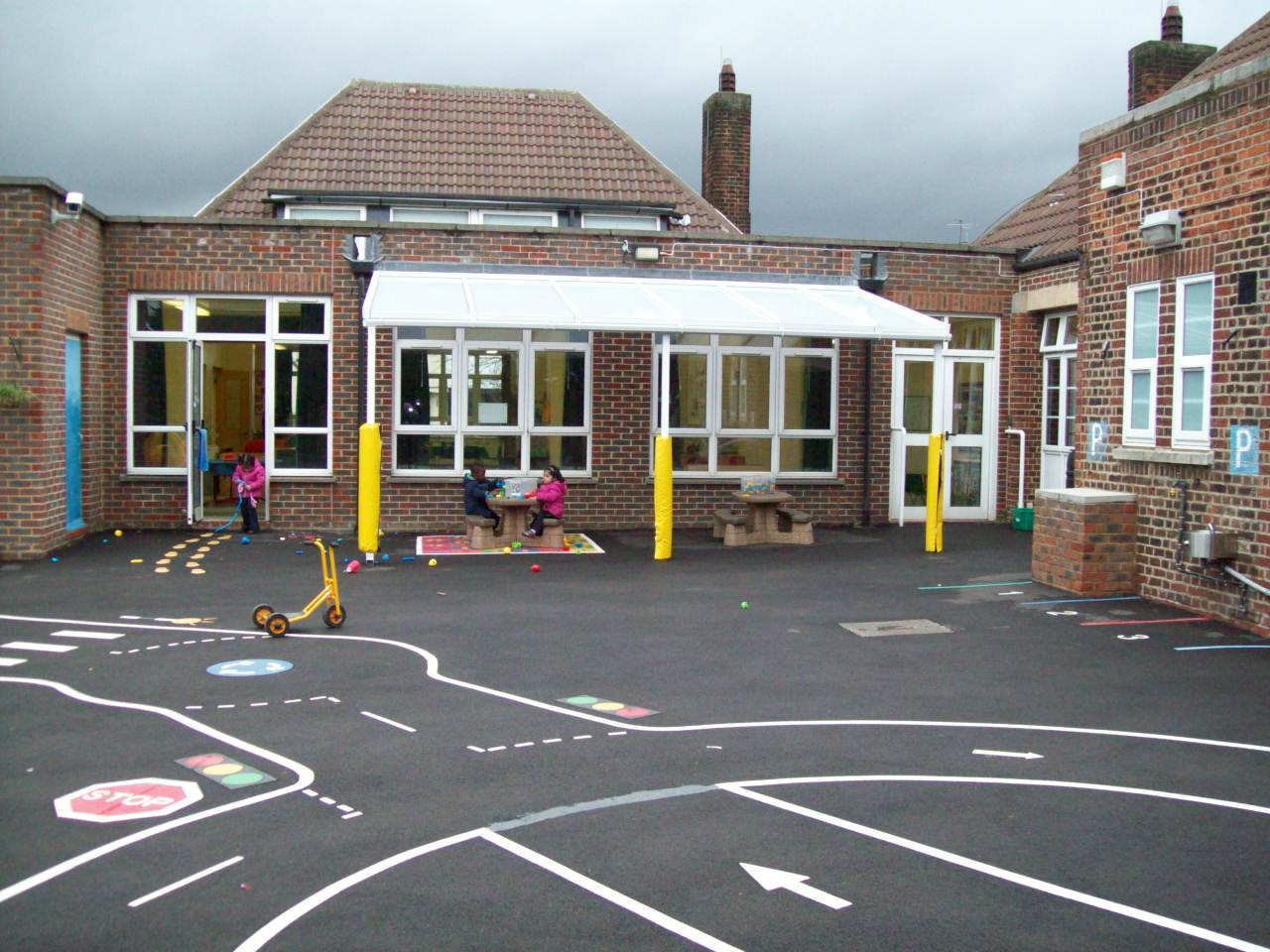 Manor Infant School 2nd Wall Mounted Canopy Able Canopies