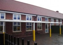 Roding Primary School - 1st Wall Mounted Canopy Installation